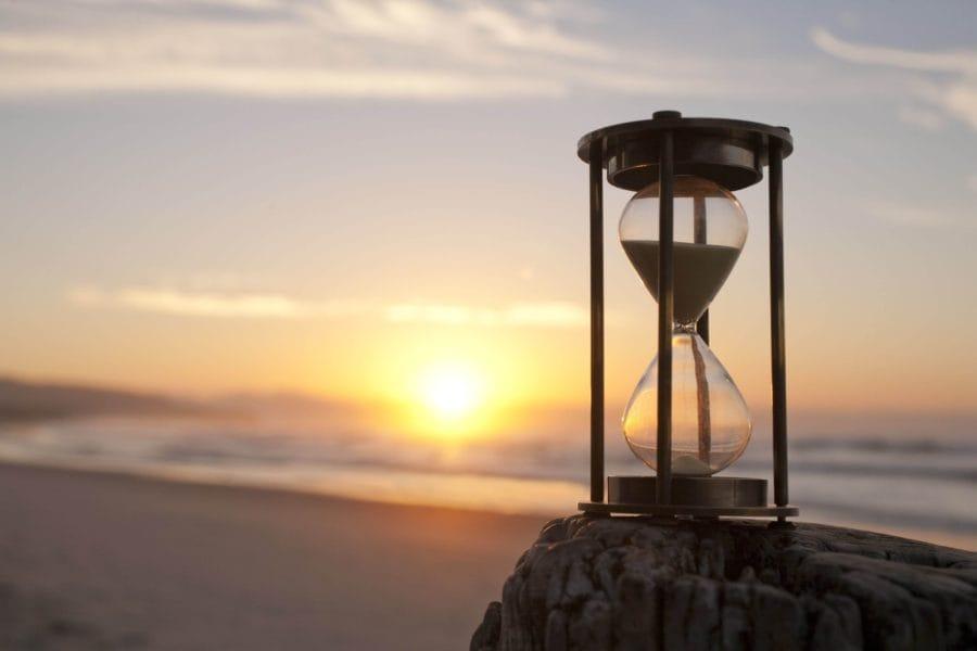 На фото – песочные часы